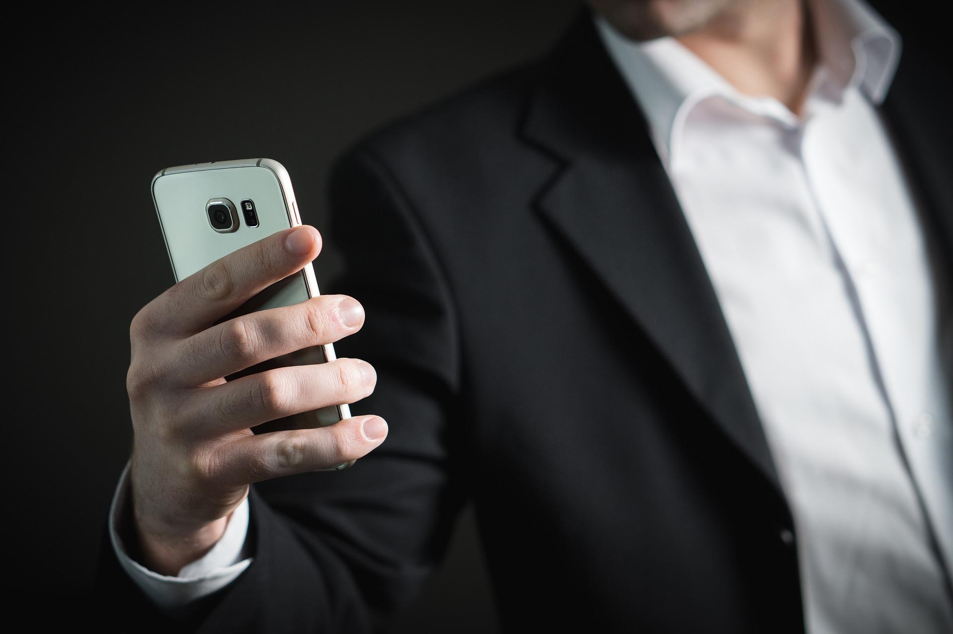 Otkriveno za šta Srbi najčešće koriste mobilne telefone