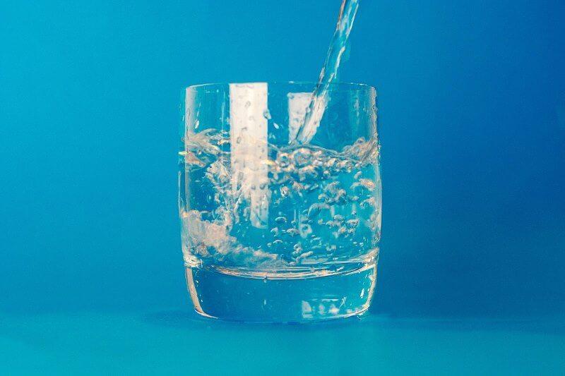 5 znakova da je vašem telu potrebna voda