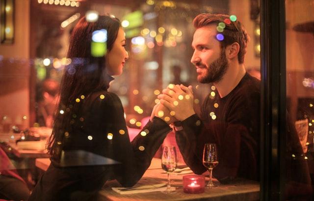 10 stvari koje ljudi u srećnim vezama rade jedno za drugo