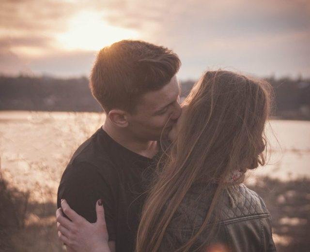 Želite da znate kako se ljubi? Potrebno je samo da znate šta je u horoskopu