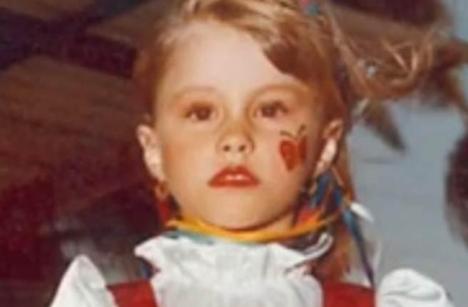 Ova devojčica izrasla je u predivnu slavnu lepoticu. A devedesetih su od nje okretali glavu!