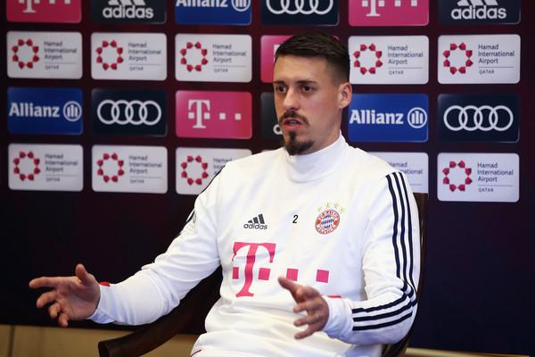 Nije pozvan u reprezentaciju za Mundijal – saigrači mu pružili podršku na terenu! (FOTO)