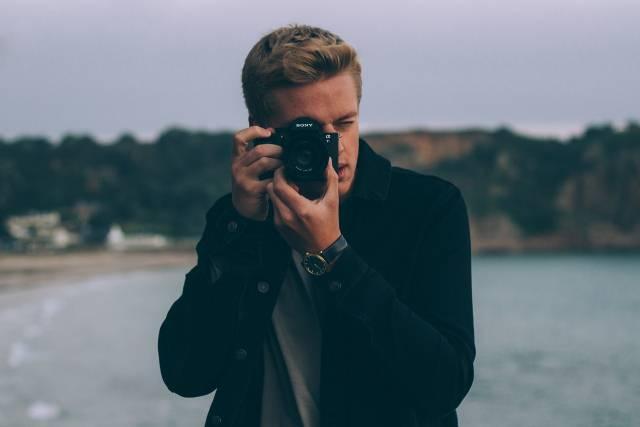 Profesionalni fotograf otkriva 6 korisnih trikova kako da uvek ispadnete lepo na fotografijama!