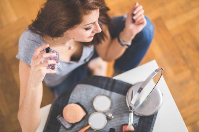Ovako treba da nanosite parfem da bi miris trajao duže