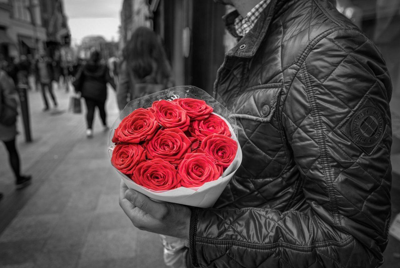Ono što je ženama romantično, muškarcima ne može da bude dalje od romantike