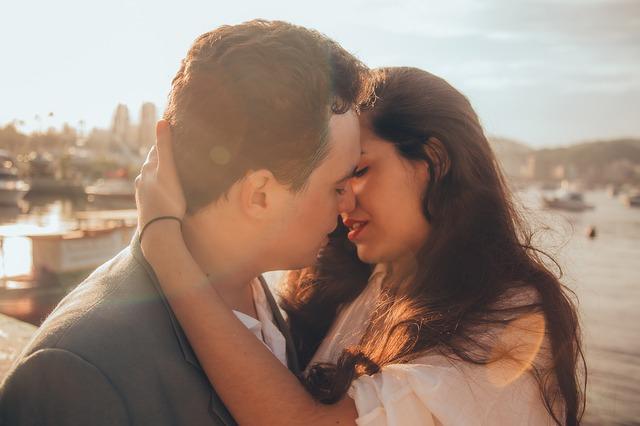Zašto žmurimo dok se ljubimo