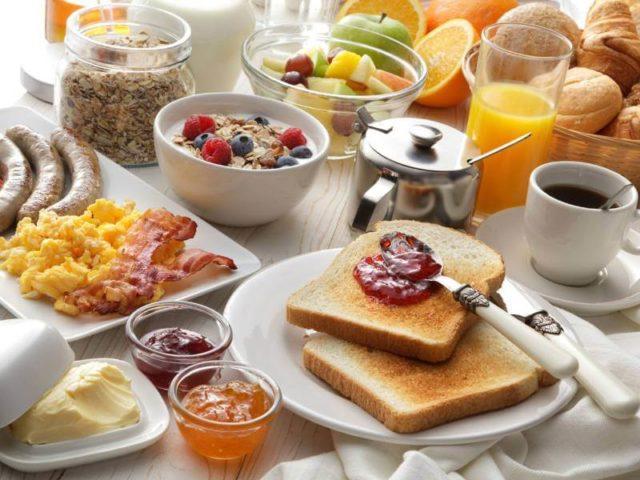 Naučnici rešili večitu dilemu: Da li su zdravija 3 veća ili 6 manjih obroka?
