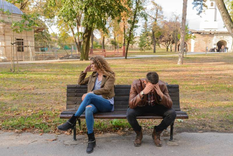 9 signala koji ukazuju na to da ste se zaljubili u muškarca koji već ima drugu