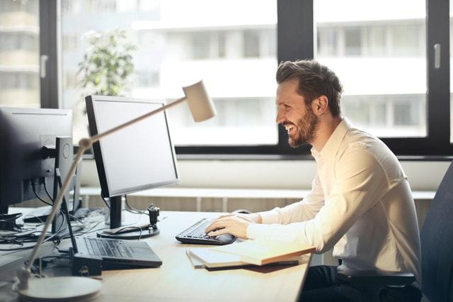 Non stop sedite na poslu? Otkrivamo vam kako da učinite uslugu svom zdravlju i aktivirate se na radnom mestu