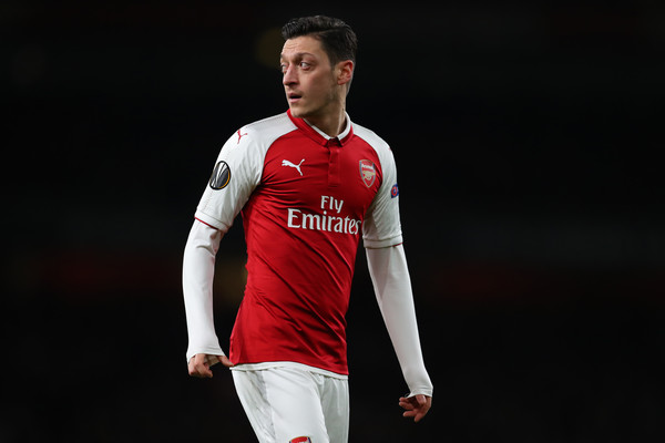 Novi dresovi Arsenala – Potpuno nova kombinacija u prvoj sezoni bez Vengera! (FOTO)