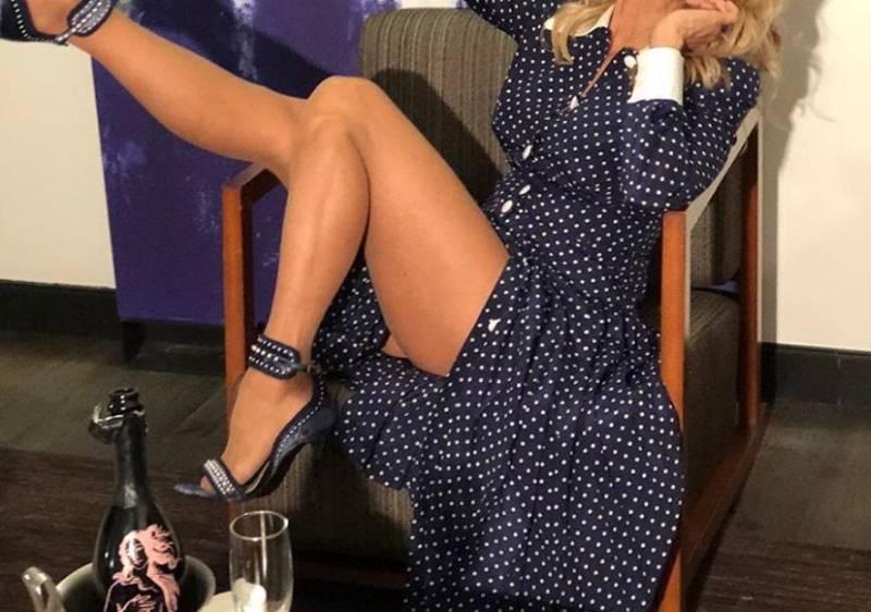 U sedmoj deceniji ima noge na kojima joj zavide i dvadesetogodišnjakinje!