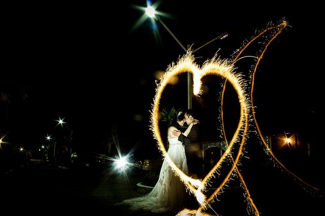 Uz pomoć zvezda do njegove ljubavi: Ovo je put do srca svakog horoskopskog znaka