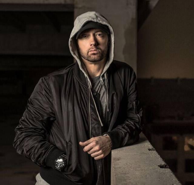Jedna od najpopularnijih pevačica današnjice otkrila da je u vezi sa Eminemom