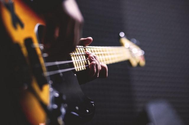 10 pesama koje će vam podići raspoloženje istog trenutka