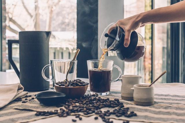Zašto ne bi trebalo da pijemo više od 3 šoljice kafe na dan