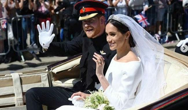 Službene fotografije venčanja Megan i Harija su tu i prosto su savršene!