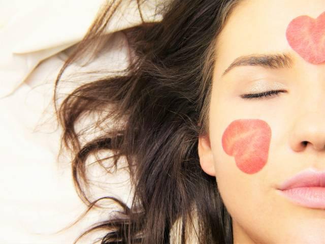 Žene su oduševljene egipatskim balzamom za lice, a vi ga možete same napraviti kod kuće!