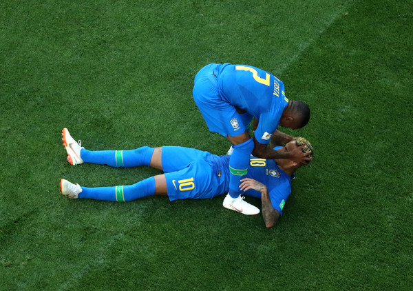 Nejmar nakon pobede pao na kolena – i zaplakao! (VIDEO)