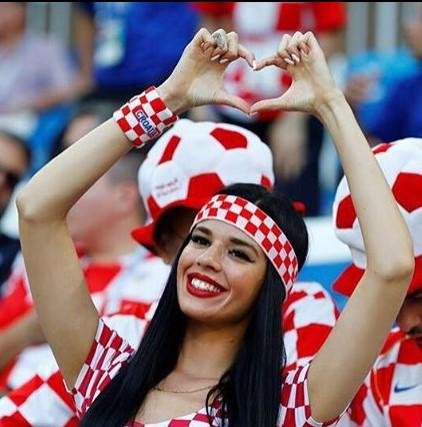 Karleuša dobija konkurenciju – vatrena Ivana je navijačica hrvatske reprezentacije koju bi svako poželeo!