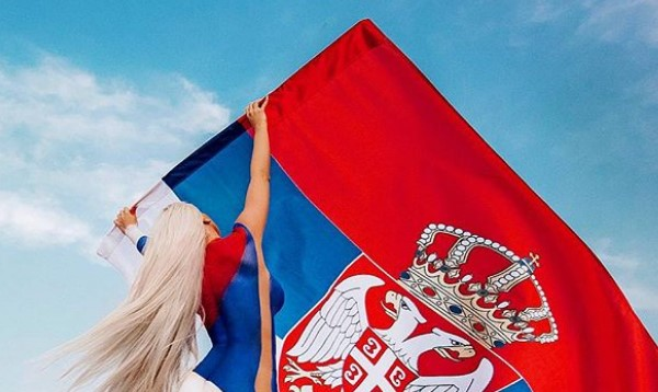 Jelena Karleuša izbacila vrelu fotku bez odeće u bojama Orlova pred meč sa Kostarikom! (FOTO)