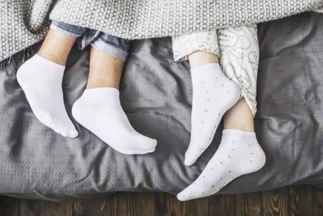 Zašto treba nositi čarape u krevetu