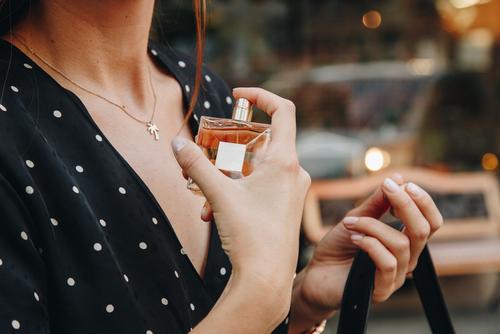 Kako najlakše prepoznati lažni parfem?