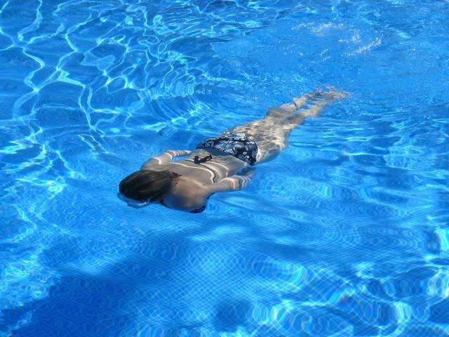 Plivanje povećava gustinu kostiju i mišića
