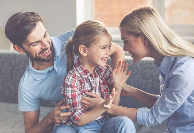 10 stvari koje naši roditelji nisu imali dok su podizali decu, a današnje roditeljstvo je bez njih nezamislivo
