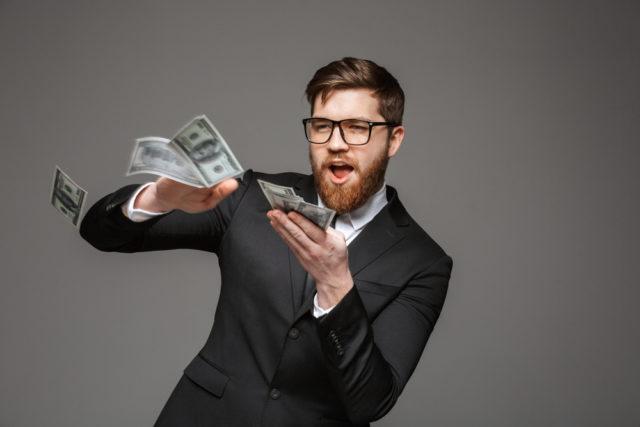 Naučnici i psiholozi složni: Evo na šta treba da trošite najviše novca!