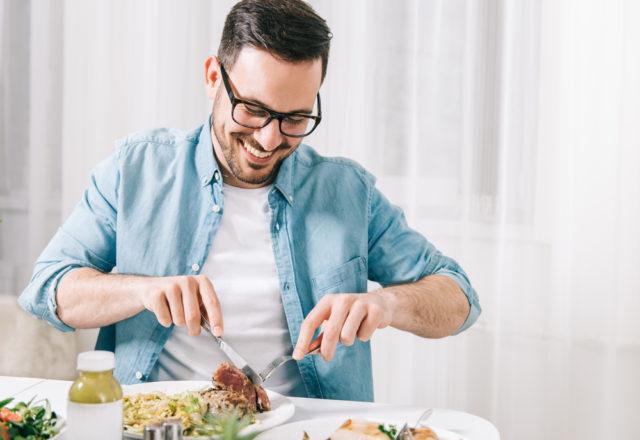10 namirnica koje svaki muškarac treba da ima u kući