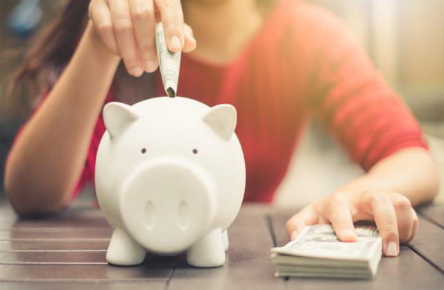 Uštedela je 10.000 evra za godinu dana uz pomoć ova 4 jednostavna trika!