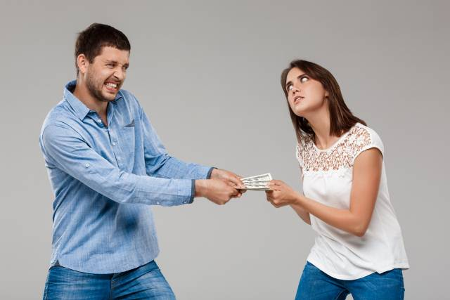 Kakvi ste sa novcem: Nekim znakovima ne možete izbiti ni paru iz džepa, ali zato Lav nema mere u trošenju!