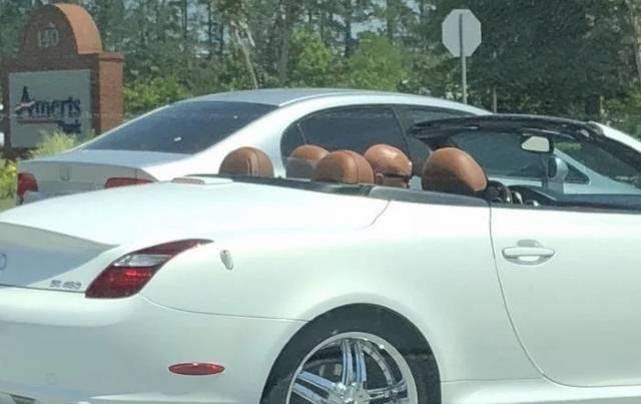 Koliko putnika ima u ovom automobilu?