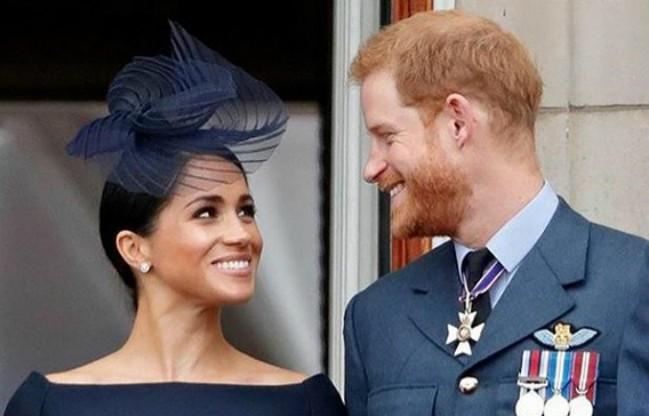 U inat pravilima: Megan i Hari šokirali su javnost i ova strastvena fotografija sada obilazi svet!