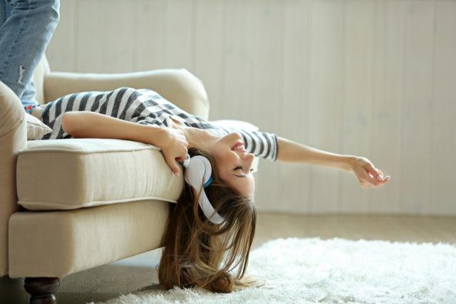 Čuvajte svoj sluh: Nepravilno korišćenje slušalica može dovesti do trajnih posledica!