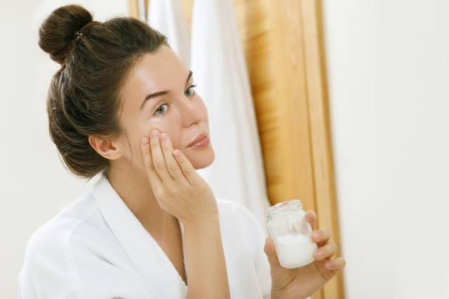 8 stvari koje uprkos preporukama ne smete stavljati na kožu