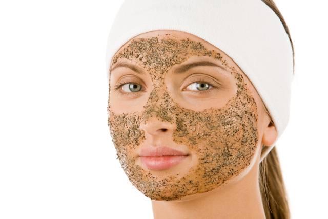 6 trikova za lepotu koje bolje da ne isprobavate: Svuda ih preporučuju a mogu da nanesu štetu vašoj koži!