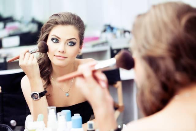 5 Jutjub tutorijala koji će vam zaista pomoći u šminkanju