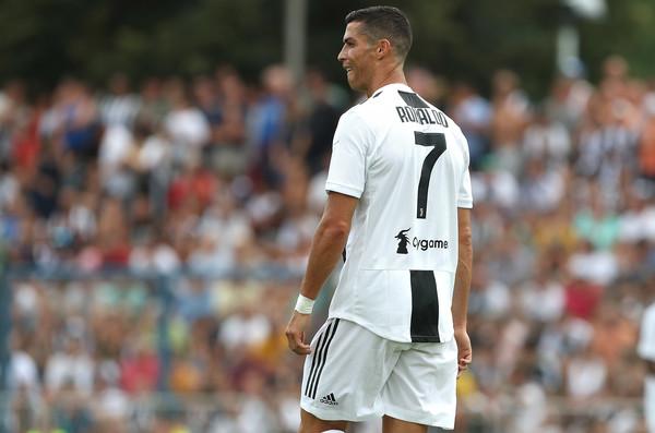 Gostujući dres Juventusa pomalo liči na dres Real Madrida! (FOTO)