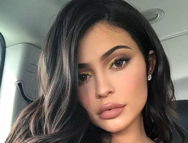 Kajli je proslavila 21. rođendan i prvu milijardu dolara a jednom fotkom ponovo oborila rekord na Instagramu
