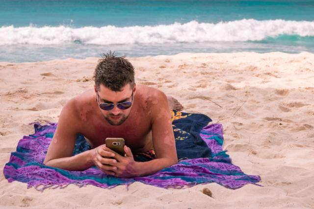 Evo šta treba da radite kada vam se ljušti koža nakon sunčanja!