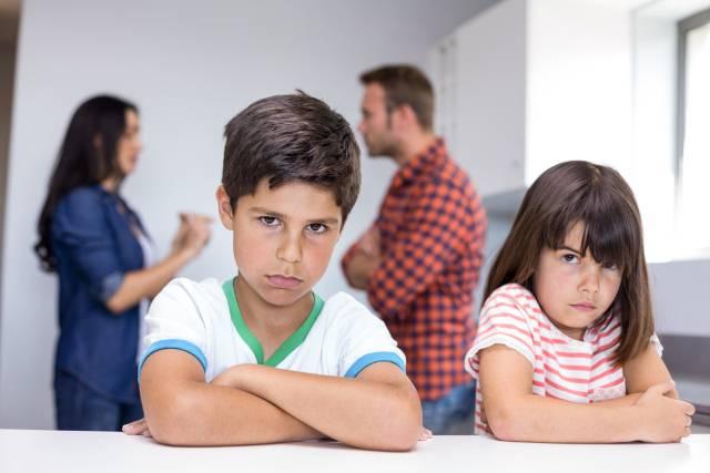 8 znakova da ste odrasli u toksičnoj porodici