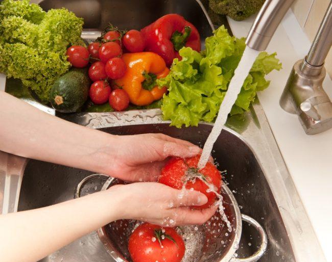 3 namirnice koje skidaju otrove s voća i povrća