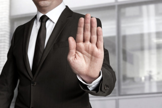 Ovo je 5 stvari kojima odbijate ljude od sebe