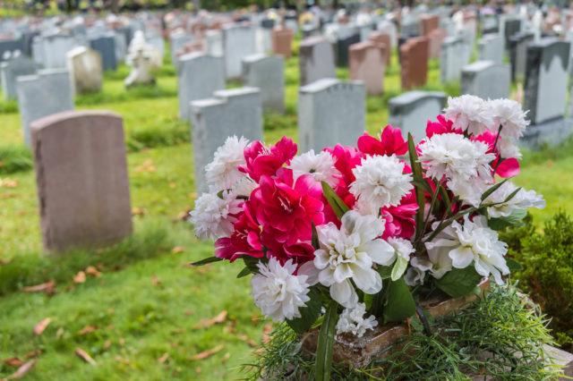 Internetom kruži nesvakidašnja umrlica jedne bake i pokazuje nam pravi smisao života