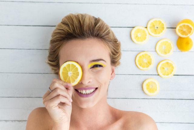 Limunova kora je zdravija i od limunovog soka: Evo šta sve možete s njom
