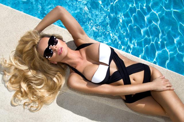 Omiljeni kupaći kostim je ponovo u modi!