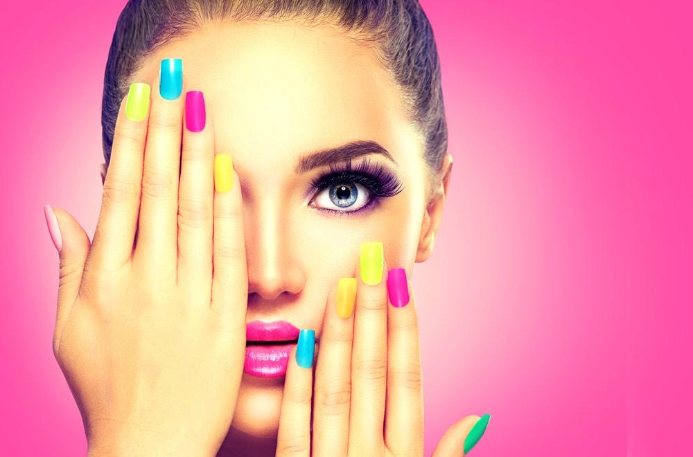 Lak za nokte je toliko toksičan da utiče na razvoj, ali žene ne odustaju od njega!