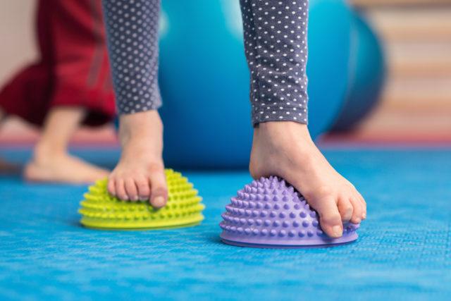 Kako ispraviti ravne tabane bez upotrebe ortopedskih cipela