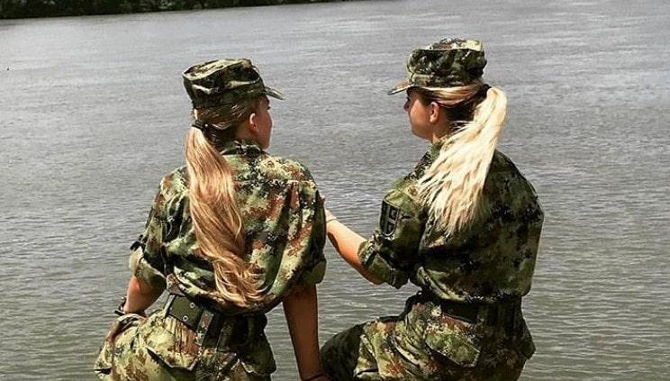 Lepša strana vojske: Srpkinje u uniformama izgledaju kao manekenke!